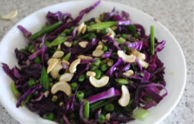 Red Cabbage, Mung Bean and Green Pea stir fry (G)