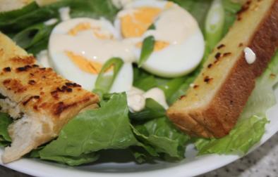 eggandgarlictoastsalad
