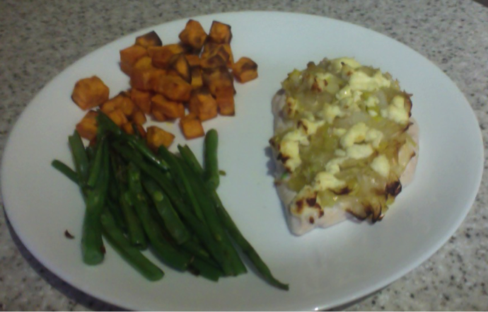Leek topped Chicken with Roasted Sweet Potato Bites and Green Beans *